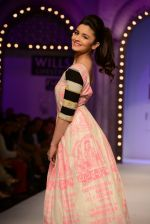 Alia Bhatt walk the ramp for Masaba Gupta_s show at the Day 1 on WIFW 2014 on 9th Oct 2013 (30).JPG