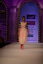Alia Bhatt walk the ramp for Masaba Gupta_s show at the Day 1 on WIFW 2014 on 9th Oct 2013 (8).JPG