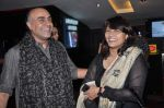 Pallavi Joshi, Rajit Kapur at the premiere of bengali Film in Cinemax, Mumbai on 9th Oct 2013 (128).JPG