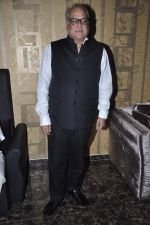 T P Aggarwal at Music Launch of Huff Its Too Much in Bandra, Mumbai on 9th Oct 2013 (22).JPG