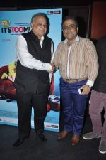 T P Aggarwal, Kunal Ganjawala at Music Launch of Huff Its Too Much in Bandra, Mumbai on 9th Oct 2013 (44).JPG