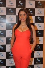 Pooja Misra at  dassani jewellery preview in Mumbai on 11th Oct 2013 (55)_525968375f936.JPG