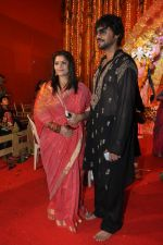 Pragati Mehra, Gaurav Chopra celebrates Durga Pooja in Mumbai on 12th Oct 2013 (8)_525a31ea078d6.JPG