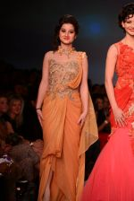 Anjali Abrol, Urvashi Rautela walks for SOLTEE BY SULASKSHANA at Wills day 5 on WIFW 2014 on 13th Oct 2013 (133)_525cb763304c1.JPG
