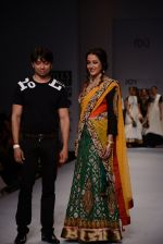 Raima Sen walks for Joy Mitra at Wills day 5 on WIFW 2014 on 13th Oct 2013 (28)_525cb516709b8.JPG
