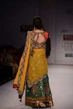 Raima Sen walks for Joy Mitra at Wills day 5 on WIFW 2014 on 13th Oct 2013 (46)_525cb5a448673.JPG