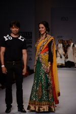 Raima Sen walks for Joy Mitra at Wills day 5 on WIFW 2014 on 13th Oct 2013 (29)_525cb51d1c298.JPG