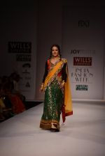 Raima Sen walks for Joy Mitra at Wills day 5 on WIFW 2014 on 13th Oct 2013 (32)_525cb5348a484.JPG