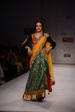 Raima Sen walks for Joy Mitra at Wills day 5 on WIFW 2014 on 13th Oct 2013 (38)_525cb56d68654.JPG