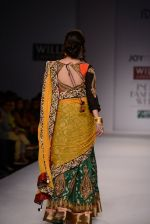 Raima Sen walks for Joy Mitra at Wills day 5 on WIFW 2014 on 13th Oct 2013 (47)_525cb5a9eb7b1.JPG