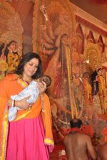 Rupali Ganguly at DN Nagar Durga utsav in Andheri, Mumbai on 14th Oct 2013 (90)_525cef84bc836.JPG