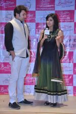 Asha Negi at Telly Calendar launch with Bawree Fashions to be shot in Malaysia on 15th Oct 2013 (158)_525ff0076ed6b.JPG