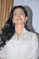 Juhi Chawla at a press meet to discuss radiation caused by mobile towers in Press Club, Mumbai on 17th Oct 2013 (35)_5260addd4cd48.JPG