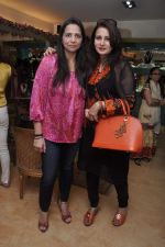 Poonam Dhillon at Raveena Tandon and Roopa Vohra_s jewellery line launch in Mumbai on 18th Oct 2013(378)_52621fe3154ba.JPG