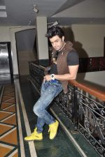 Manish Paul at Mickey Virus interview in Raheja Classique, Mumbai on 19th Oct 2013 (60)_5263db47cac26.JPG