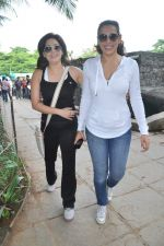 Pooja Bedi, Amrita Raichand at Max Bupa walk for health in Bandra, Mumbai on 20th Oct 2013 (16)_526508ca3507d.JPG
