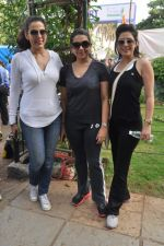 Pooja Bedi, Shaina NC, Amrita Raichand at Max Bupa walk for health in Bandra, Mumbai on 20th Oct 2013 (74)_526508cf04db3.JPG