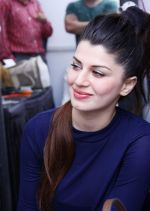 Kainaat Arora (Grand Masti Actress) at the  Femina Festive Showcase 2013 at R Mall.,_52661f7251046.JPG