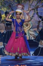 Shubhangi Atre Poorey_s diya act at SAB TV KA Diwali Mela in Mumbai on 22nd Oct 2013_52677344958c5.JPG