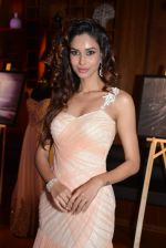 Amruta Patki at Prriya Chabbria festive collection launch in Mumbai on 28th Oct 2013 (41)_526f9576afb4e.JPG