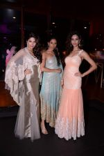Parvathy Omanakuttan, Amruta Patki, Candice Pinto at Prriya Chabbria festive collection launch in Mumbai on 28th Oct 2013 (37)_526f953a5d931.JPG