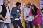 Pritish Nandy, Farhan Akhtar, Vidya Balan at Trailer launch of Shaadi Ke Side Effects in Mumbai on 28th Oct 2013 (57)_526f8f3198ece.JPG