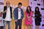 Pritish Nandy, Farhan Akhtar, Vidya Balan, Ekta Kapoor at Trailer launch of Shaadi Ke Side Effects in Mumbai on 28th Oct 2013 (43)_526f8f3717175.JPG