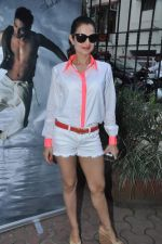 Amisha Patel at Shahid Aamir_s collection launch in Juhu, Mumbai on 29th Oct 2013 (88)_5270b61b5e315.JPG