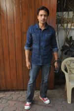 Iqbal Khan at Shahid Aamir_s collection launch in Juhu, Mumbai on 29th Oct 2013 (8)_5270b6b329c8f.JPG