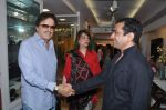 Sanjay Khan, Zarine Khan at Shahid Aamir_s collection launch in Juhu, Mumbai on 29th Oct 2013 (57)_5270b74ef0c90.JPG