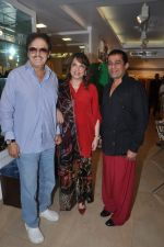 Sanjay Khan, Zarine Khan at Shahid Aamir_s collection launch in Juhu, Mumbai on 29th Oct 2013 (59)_5270b750e904a.JPG
