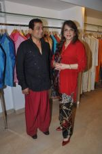 Zarine Khan at Shahid Aamir_s collection launch in Juhu, Mumbai on 29th Oct 2013 (14)_5270b756d1f79.JPG