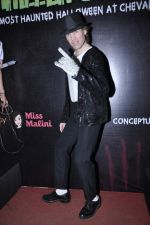 Luke Kenny at Sunny Sara and Yudhishtir hosted a scary Halloween Thriller Chillers in Mumbai on 31st Oct 2013 (29)_5273c42c9b158.JPG