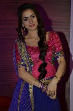 Shraddha Arya at Life Ok launches Tumhari Paakhi based on Sarat Chandra_s classic Navvidhaan in Filmcity, Mumbai on 31st Oct 2013 (15)_5273c373707d6.JPG