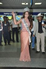 Srishti Rana, Miss Asia Pacific World 2013 winner returns from Korea on 4th Nov 2013 (19)_527901c6da590.JPG