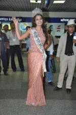 Srishti Rana, Miss Asia Pacific World 2013 winner returns from Korea on 4th Nov 2013 (20)_527901c77e386.JPG