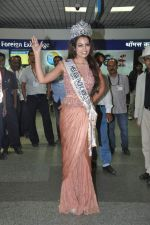 Srishti Rana, Miss Asia Pacific World 2013 winner returns from Korea on 4th Nov 2013 (22)_527901c8e3404.JPG