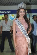 Srishti Rana, Miss Asia Pacific World 2013 winner returns from Korea on 4th Nov 2013 (26)_527901cac3437.JPG