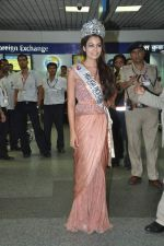 Srishti Rana, Miss Asia Pacific World 2013 winner returns from Korea on 4th Nov 2013 (30)_527901cd590a3.JPG