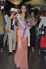 Srishti Rana, Miss Asia Pacific World 2013 winner returns from Korea on 4th Nov 2013 (38)_527901d3556f4.JPG