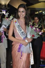 Srishti Rana, Miss Asia Pacific World 2013 winner returns from Korea on 4th Nov 2013 (39)_527901d3e8568.JPG