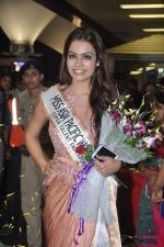 Srishti Rana, Miss Asia Pacific World 2013 winner returns from Korea on 4th Nov 2013 (42)_527901d5d9c3d.JPG
