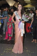 Srishti Rana, Miss Asia Pacific World 2013 winner returns from Korea on 4th Nov 2013 (43)_527901d67ad59.JPG