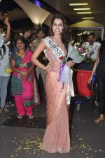 Srishti Rana, Miss Asia Pacific World 2013 winner returns from Korea on 4th Nov 2013 (44)_527901d73d1fa.JPG