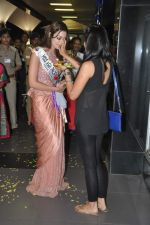 Srishti Rana, Miss Asia Pacific World 2013 winner returns from Korea on 4th Nov 2013 (49)_527901d9f1700.JPG