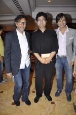 Rakeysh Mehra, Parsoon Joshi, Vivek Oberoi at Educational Awareness Program in Mumbai on 7th Nov 2013 (7)_527c67accf1b6.JPG