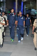 Ishant Sharma snapped at the airport in Mumbai on 9th Nov 2013 (62)_527ef72c32631.JPG