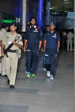 Ishant Sharma snapped at the airport in Mumbai on 9th Nov 2013 (64)_527ef72cdccb7.JPG