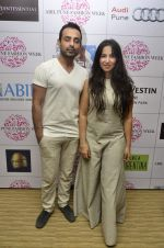 Shraddha Nigam, Mayank Anand at ABIL Pune Fashion Week on 10th Nov 2013,1 (24)_528098207198d.JPG
