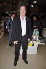 Peter James at Landmark book launch in Andheri, Mumbai on 14th Nov 2013 (8)_5285926794ebf.JPG